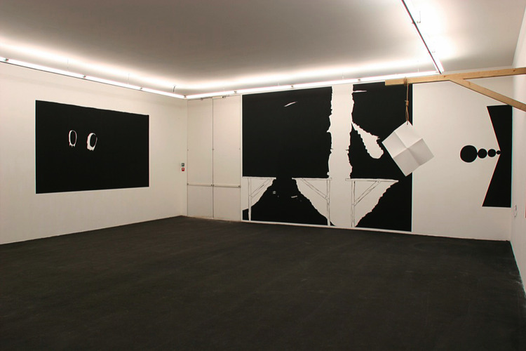 Une feuille blanche se suicide, Trait d'union, CRAC Languedoc-Roussillon, Sète, 2005