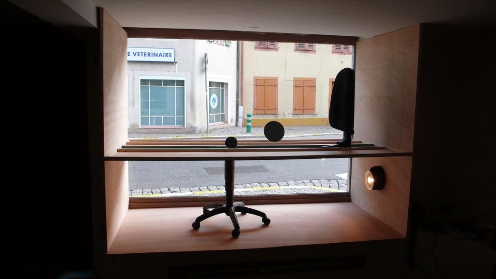 schauf, Tout le tremblement, Sélest'Art, 19ème Biennale d'art contemporain de Sélestat, fenêtres du magasin, 2011 ©F.Tiedje